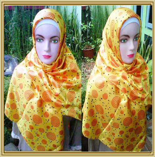 Grosir supplier jilbab segi empat satin 35,33,28,500