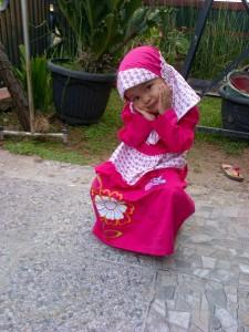 dede cantik Pakai Jilbab