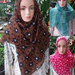 segiempat-red-rose-16-18-25-260-sg-jilbab-copy