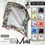 Segiempat Silk Motif Umama