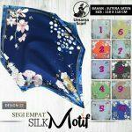 Segiempat Silk Motif Umama 12