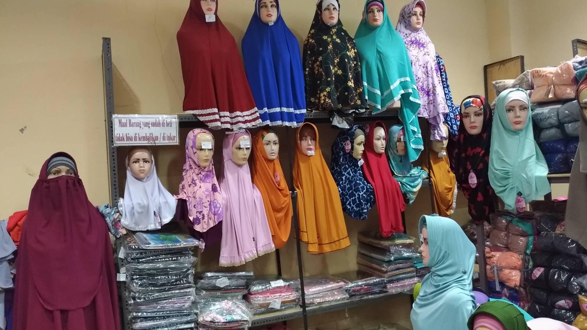 Memulai Bisnis Rumahan di Pusat Grosir Jilbab