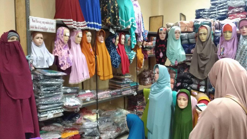 Grosir Jilbab Kaos Jumbo, Memenuhi Kebutuhan Berbusana Muslim Syar'i