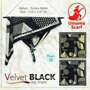 Segi Empat Velvet Black 18