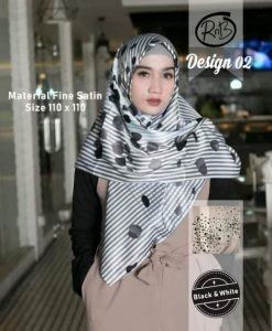 Segi Empat Black & White 02