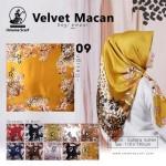 Segiempat Velvet Macan Umama 09